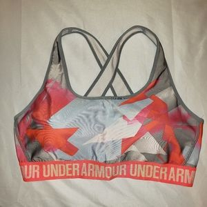 Under Armour | elastic band padded sports bra